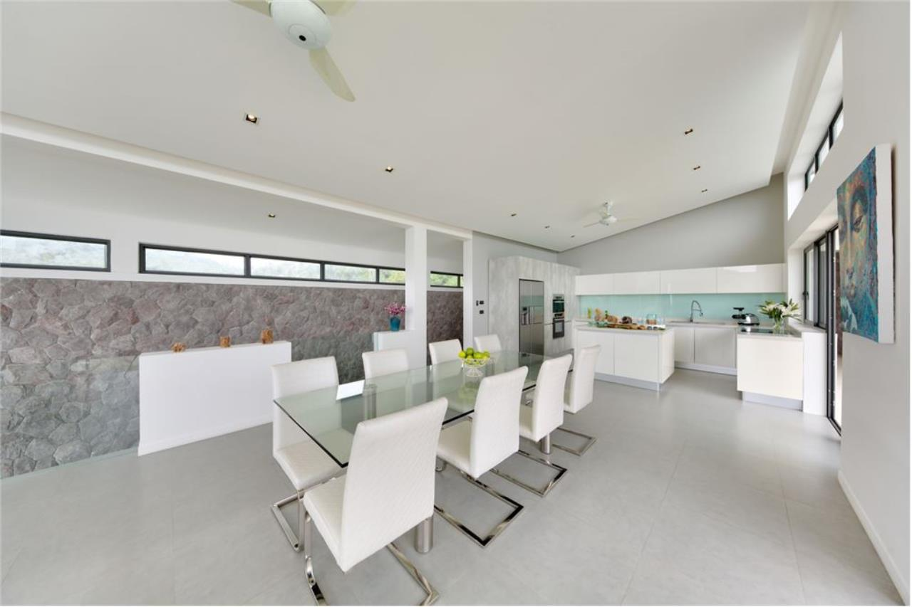 RE/MAX Island Real Estate Agency's Stunning Luxury Villa in Chaweng Noi, Koh Samui 9