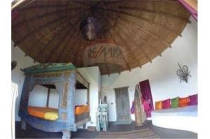 RE/MAX Island Real Estate Agency's sea views Bali style and atypical house. 9