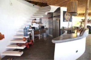 RE/MAX Island Real Estate Agency's sea views Bali style and atypical house. 15