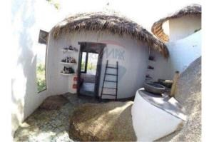 RE/MAX Island Real Estate Agency's sea views Bali style and atypical house. 10