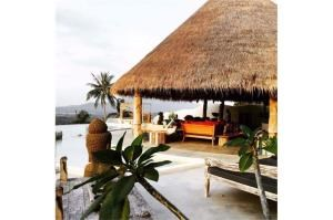 RE/MAX Island Real Estate Agency's sea views Bali style and atypical house. 25