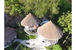 RE/MAX Island Real Estate Agency's sea views Bali style and atypical house. 2