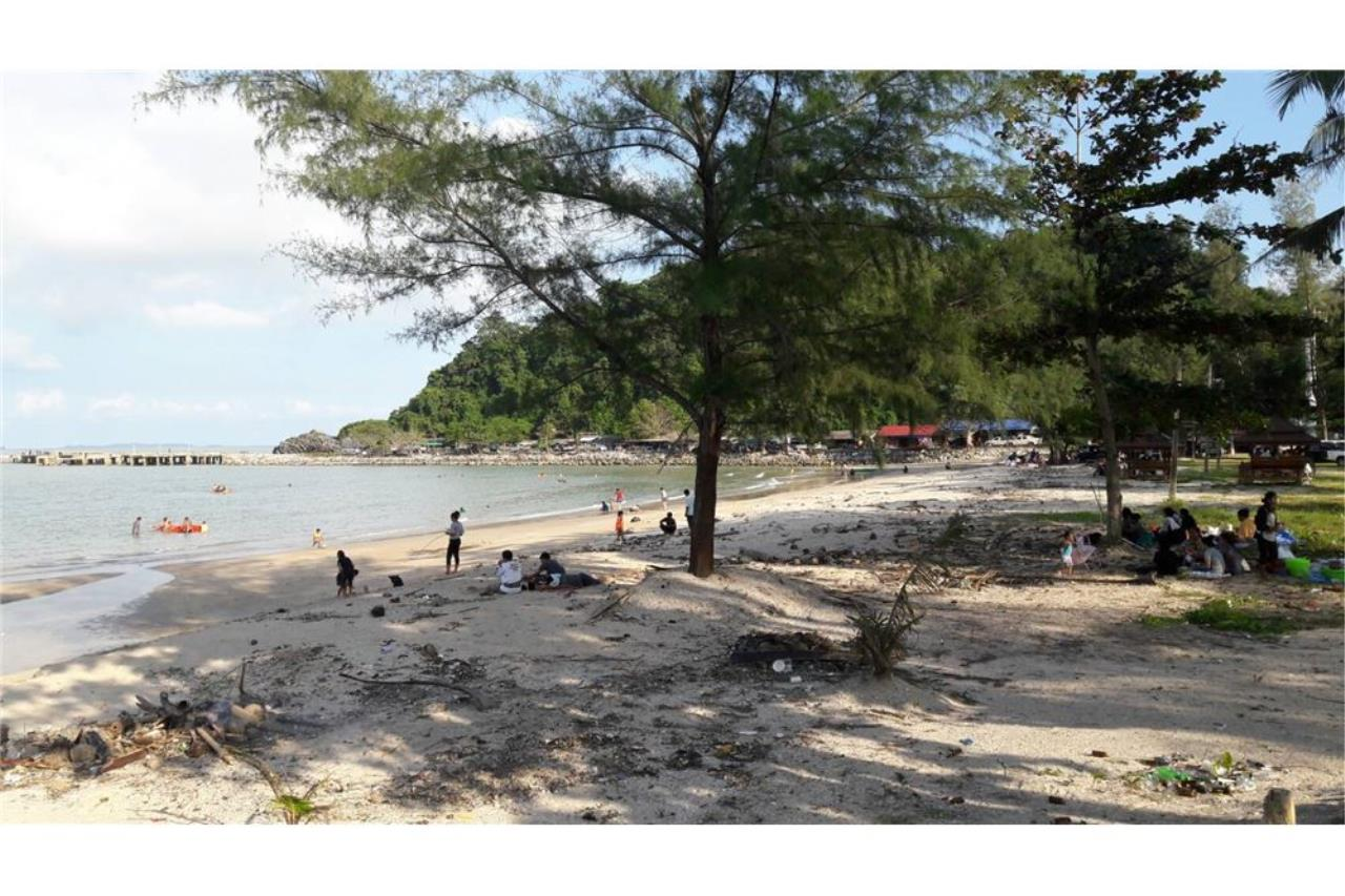 RE/MAX Island Real Estate Agency's Beach land for sale in Khanom, Nakhon Si Thammarat 3