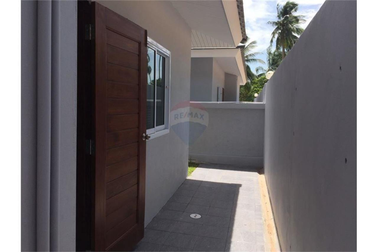 RE/MAX Island Real Estate Agency's Single House for sale in Maenam, Koh Samui 5
