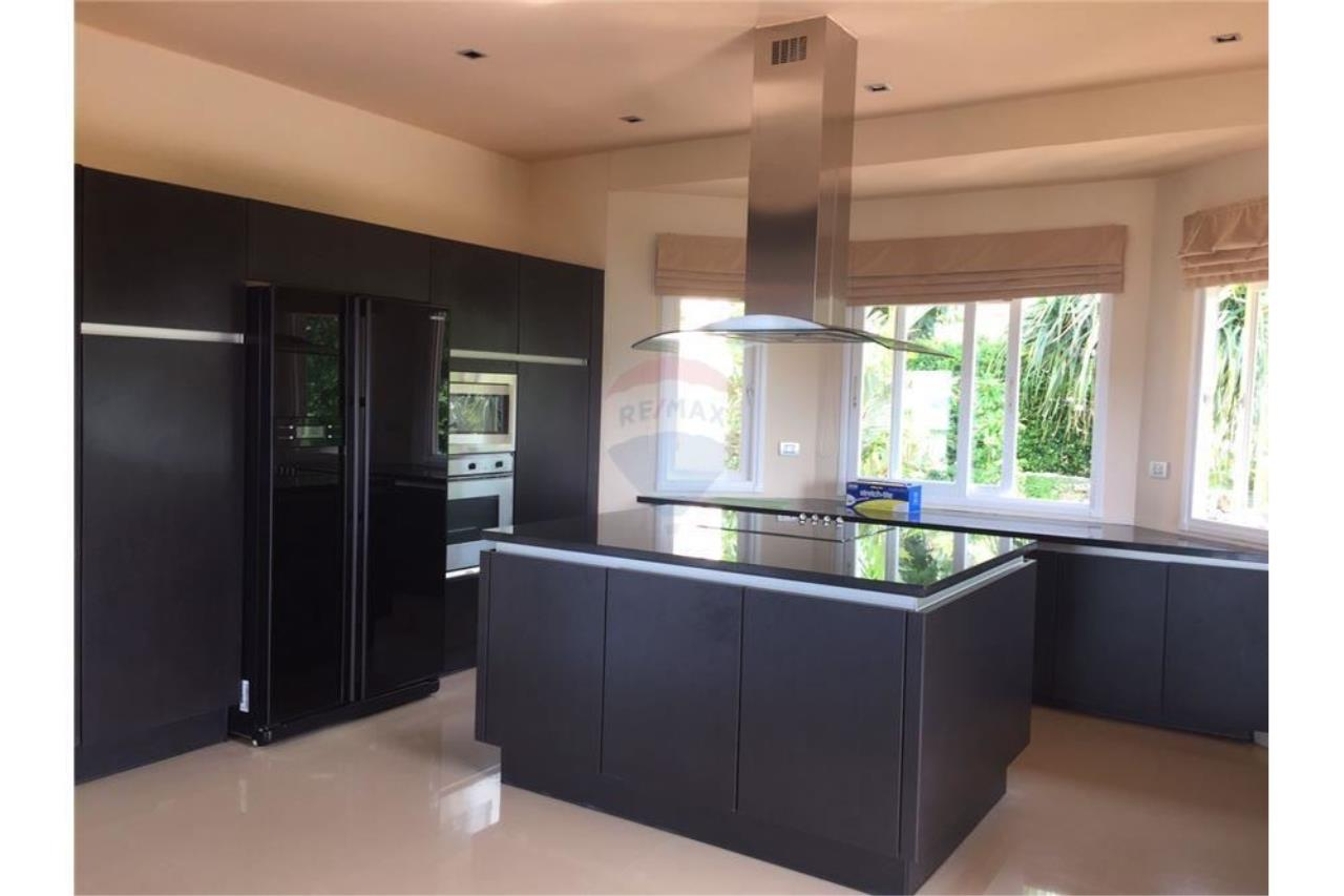 RE/MAX Island Real Estate Agency's Sea View Pool Villa for sale in Bangpor, Koh Samui 15