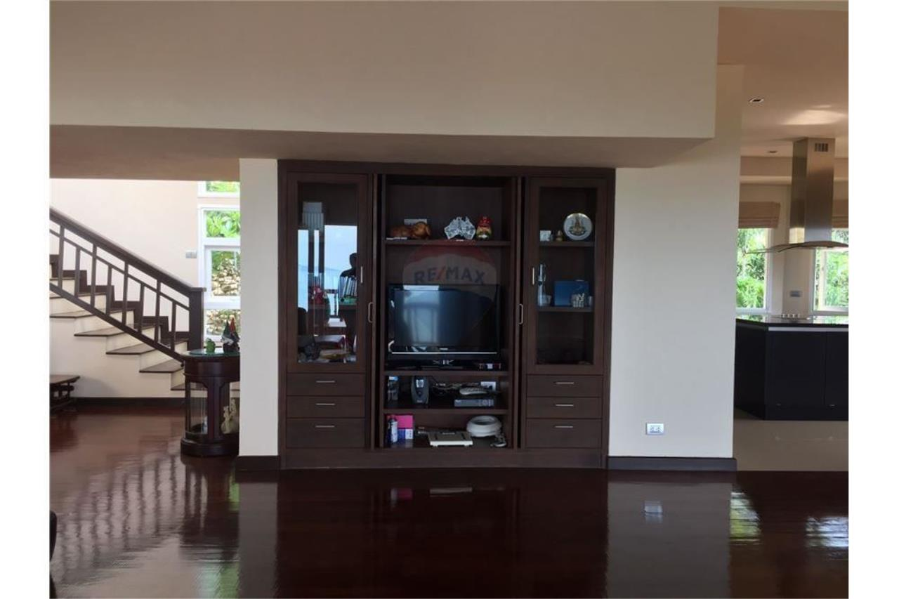 RE/MAX Island Real Estate Agency's Sea View Pool Villa for sale in Bangpor, Koh Samui 17