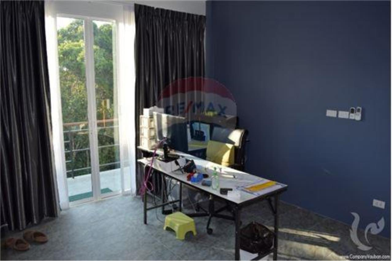 RE/MAX Island Real Estate Agency's 2 bedroom townhouse for sale in Bophut. 11