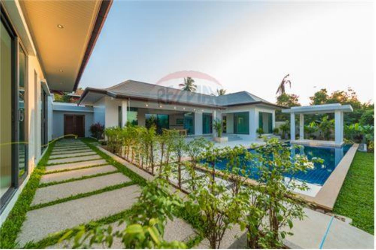 RE/MAX Island Real Estate Agency's Bali-Style Villas in Koh Samui for Sale 3