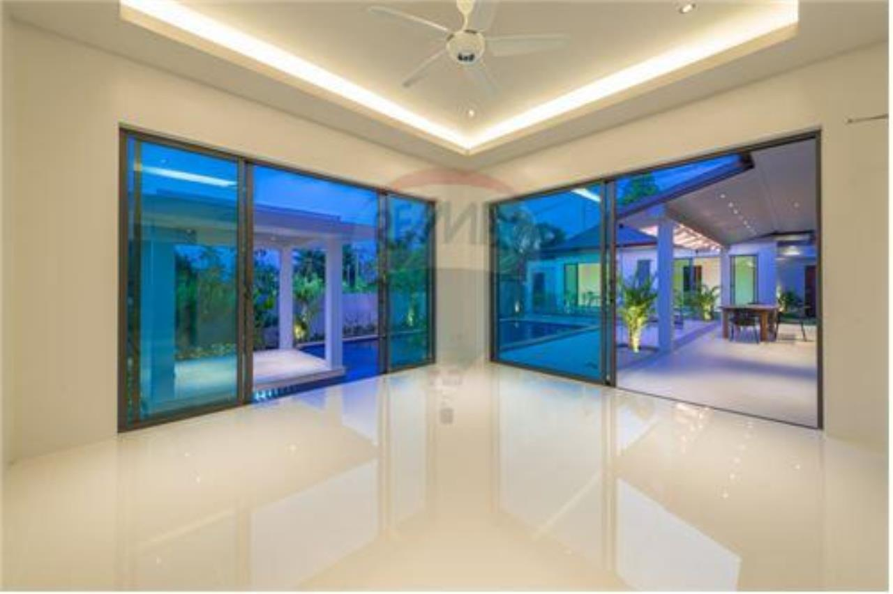 RE/MAX Island Real Estate Agency's Bali-Style Villas in Koh Samui for Sale 15