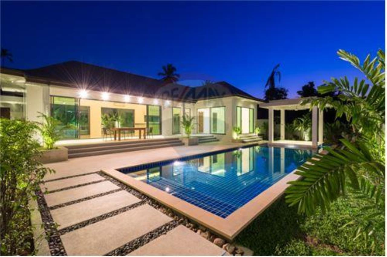RE/MAX Island Real Estate Agency's Bali-Style Villas in Koh Samui for Sale 2