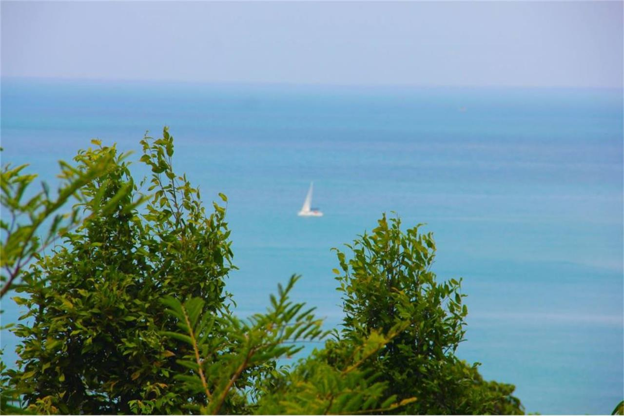 RE/MAX Island Real Estate Agency's Stunning Ocean View Land in Koh Samui for Sale 2