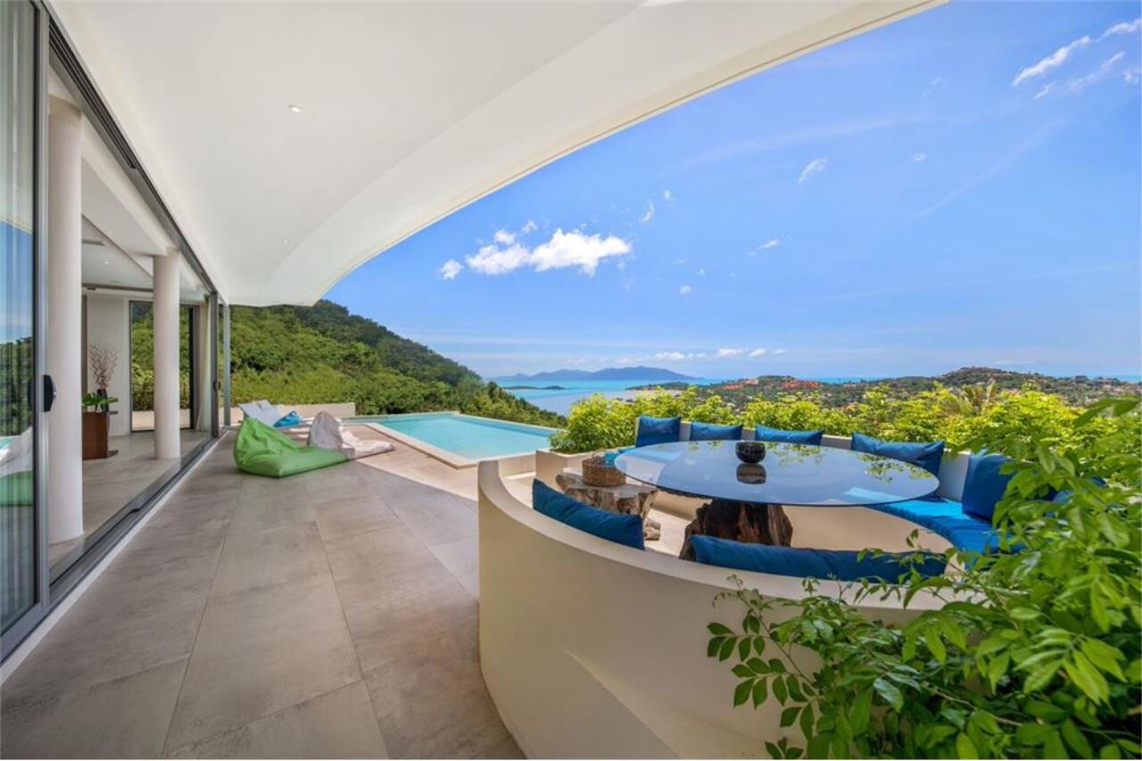 RE/MAX Island Real Estate Agency's Contemporary Villa with Panoramic View in Ko Samui 8