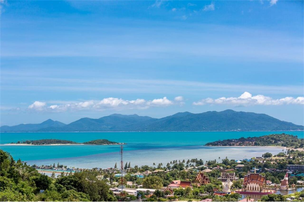 RE/MAX Island Real Estate Agency's Contemporary Villa with Panoramic View in Ko Samui 7