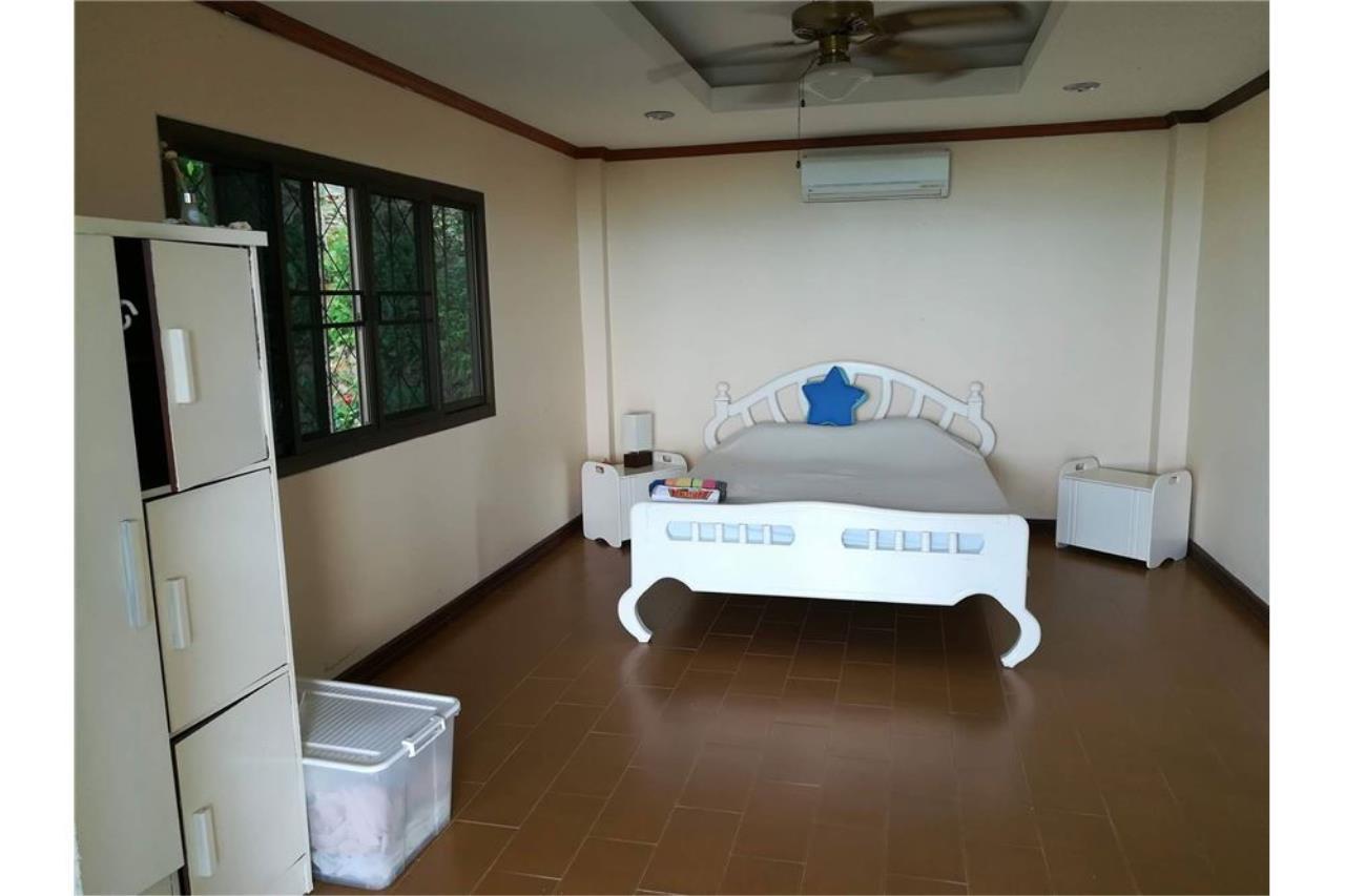 RE/MAX Island Real Estate Agency's Sea View House in BangPor, Koh Samui 19