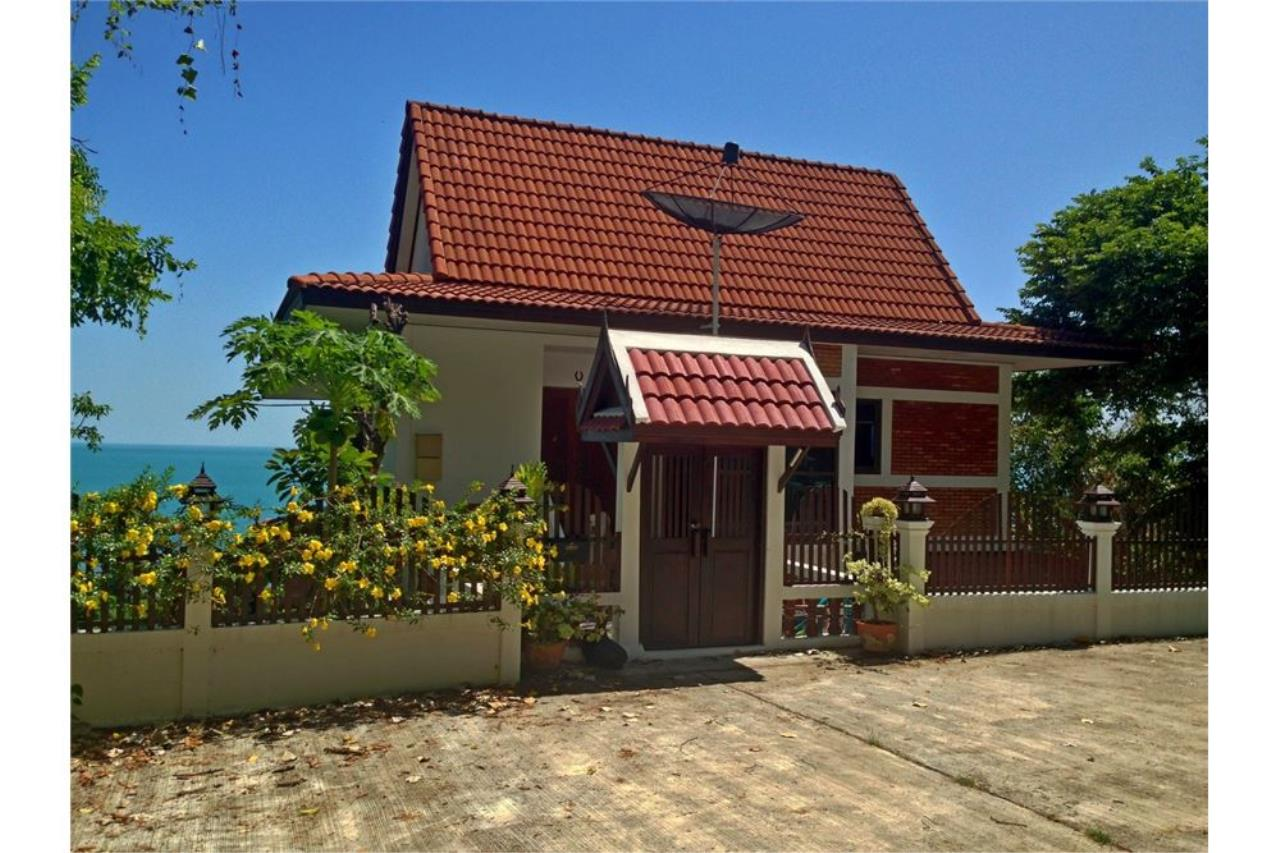 RE/MAX Island Real Estate Agency's Sea View House in BangPor, Koh Samui 1