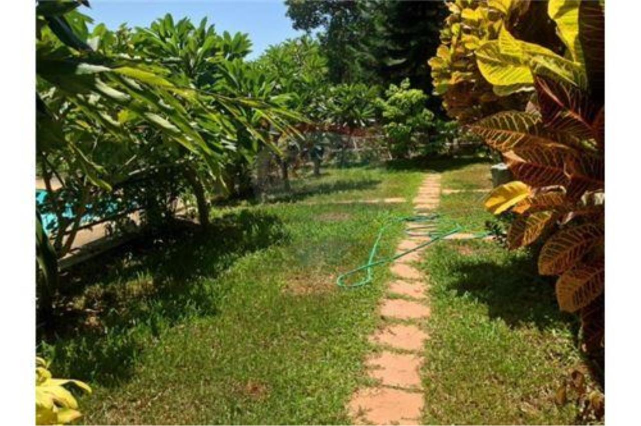 RE/MAX Island Real Estate Agency's Sea View House in BangPor, Koh Samui 10