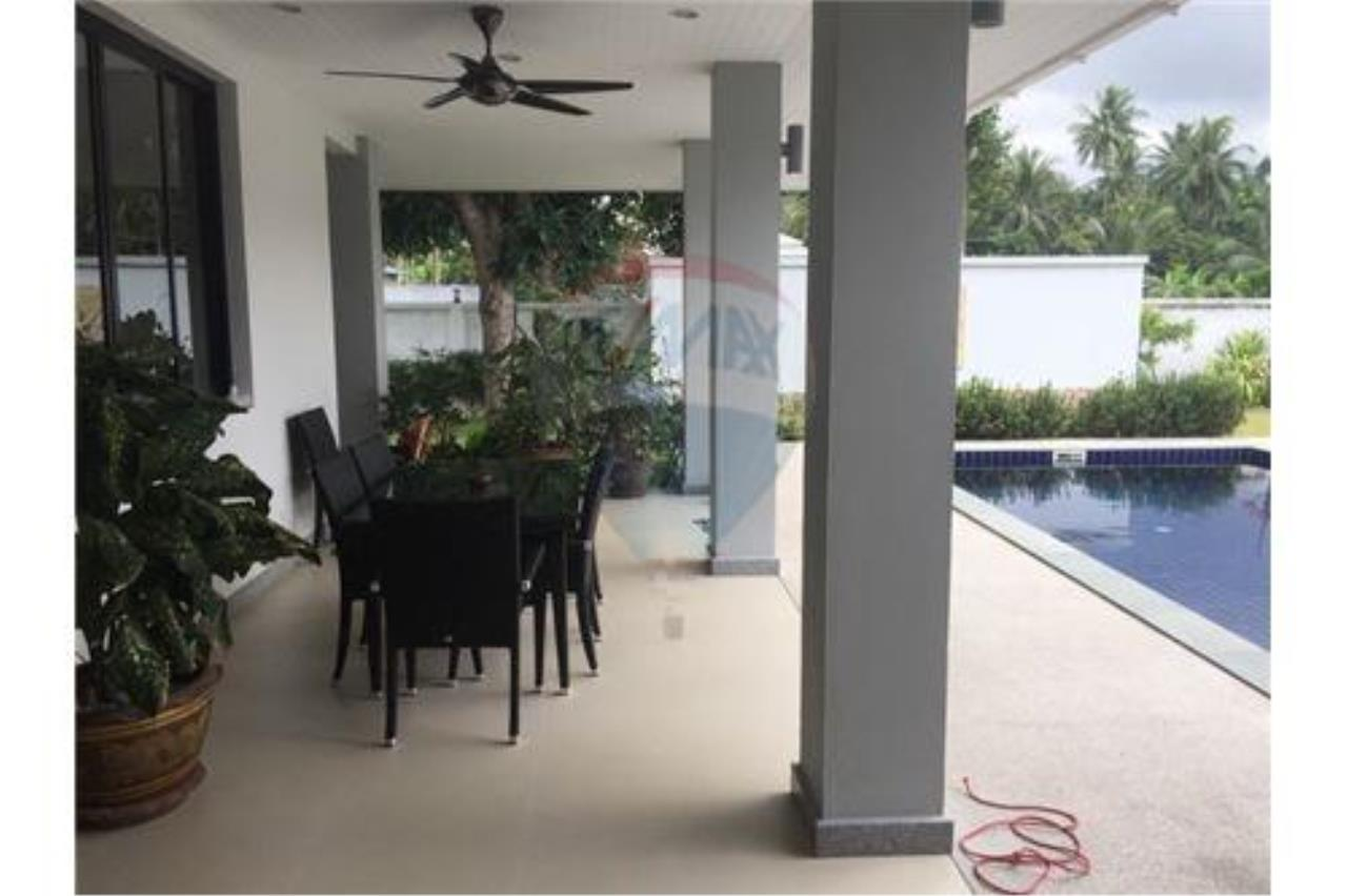 RE/MAX Island Real Estate Agency's walking distance villa for sale in Na Muang 7