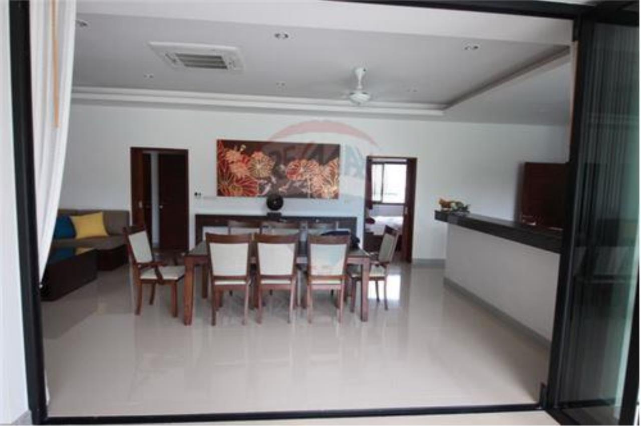 RE/MAX Island Real Estate Agency's walking distance villa for sale in Na Muang 6