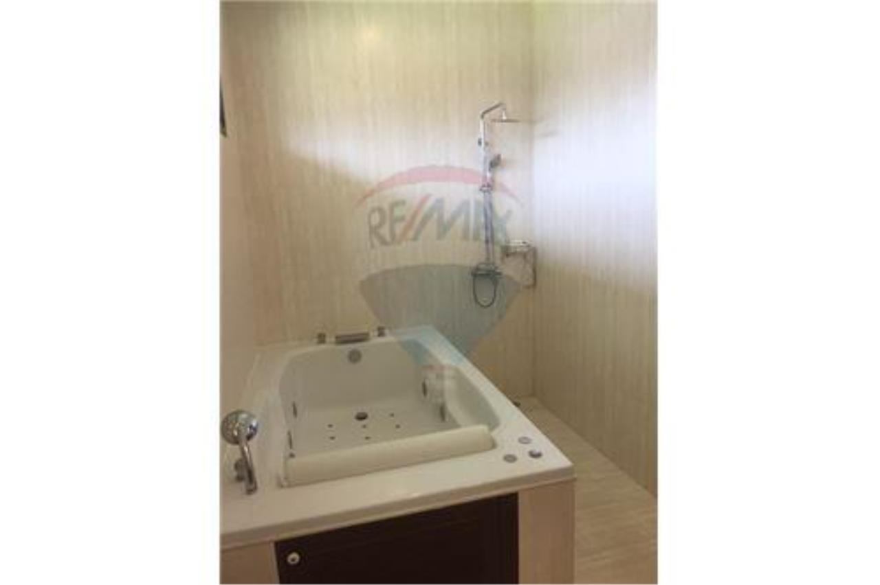 RE/MAX Island Real Estate Agency's walking distance villa for sale in Na Muang 18