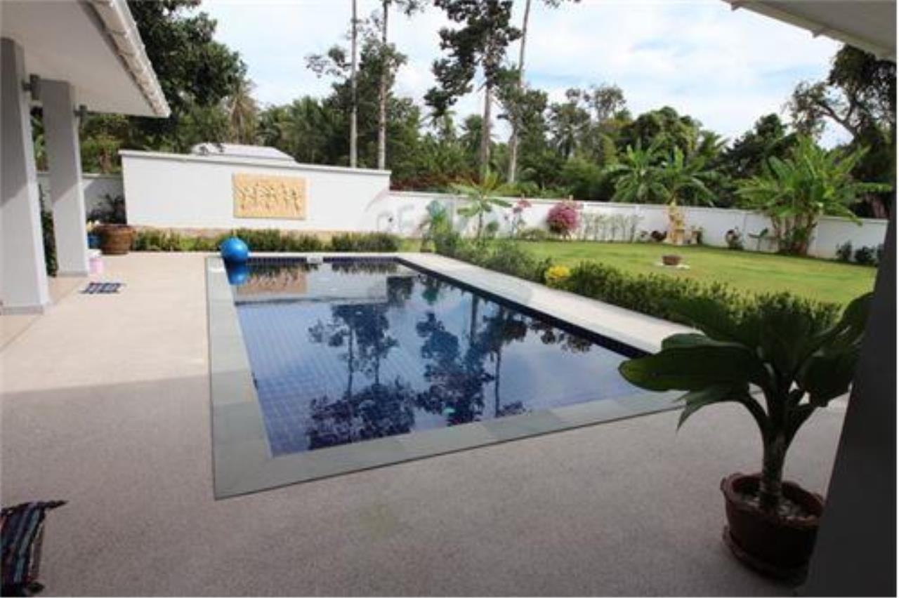 RE/MAX Island Real Estate Agency's walking distance villa for sale in Na Muang 3
