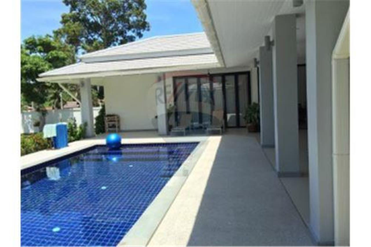 RE/MAX Island Real Estate Agency's walking distance villa for sale in Na Muang 4