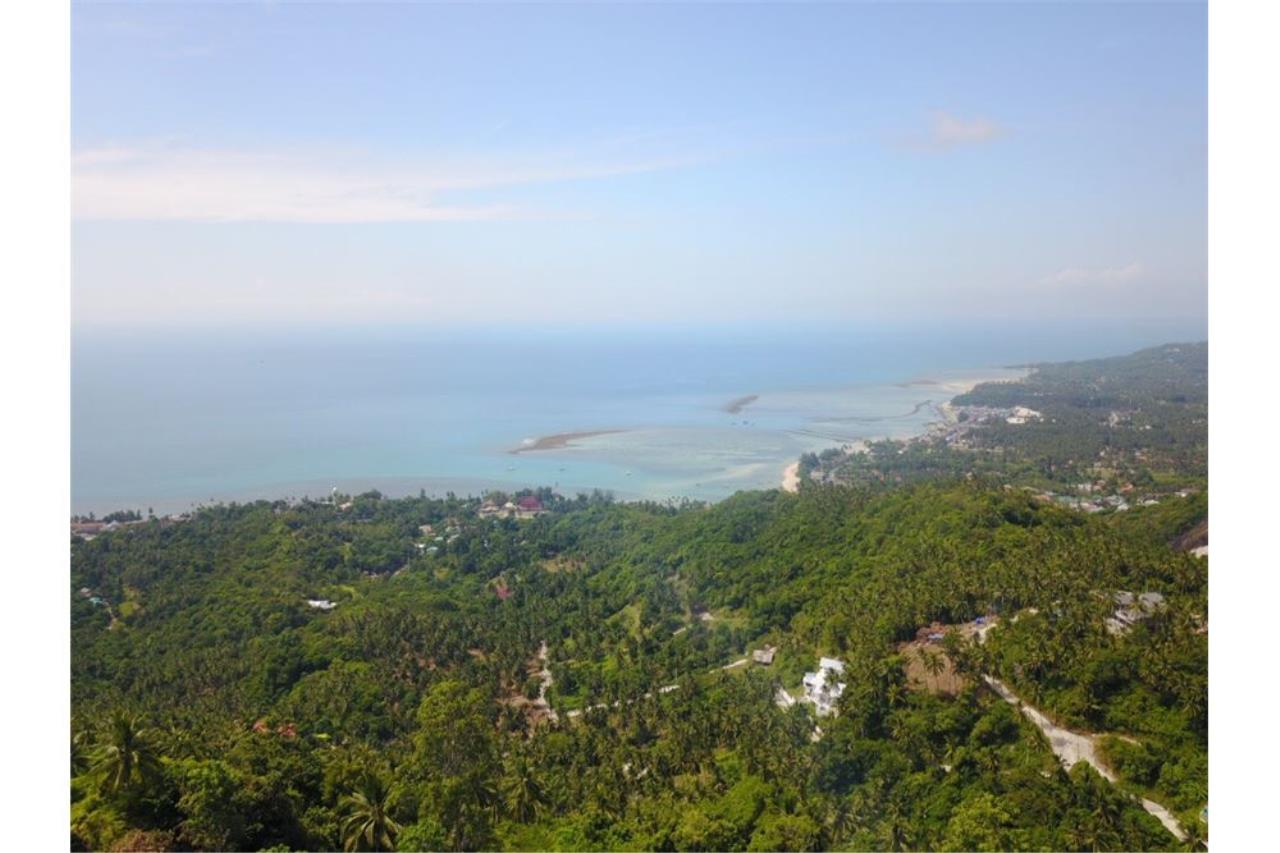 RE/MAX Island Real Estate Agency's 180 degrees sea view land for sale in Lamai 1