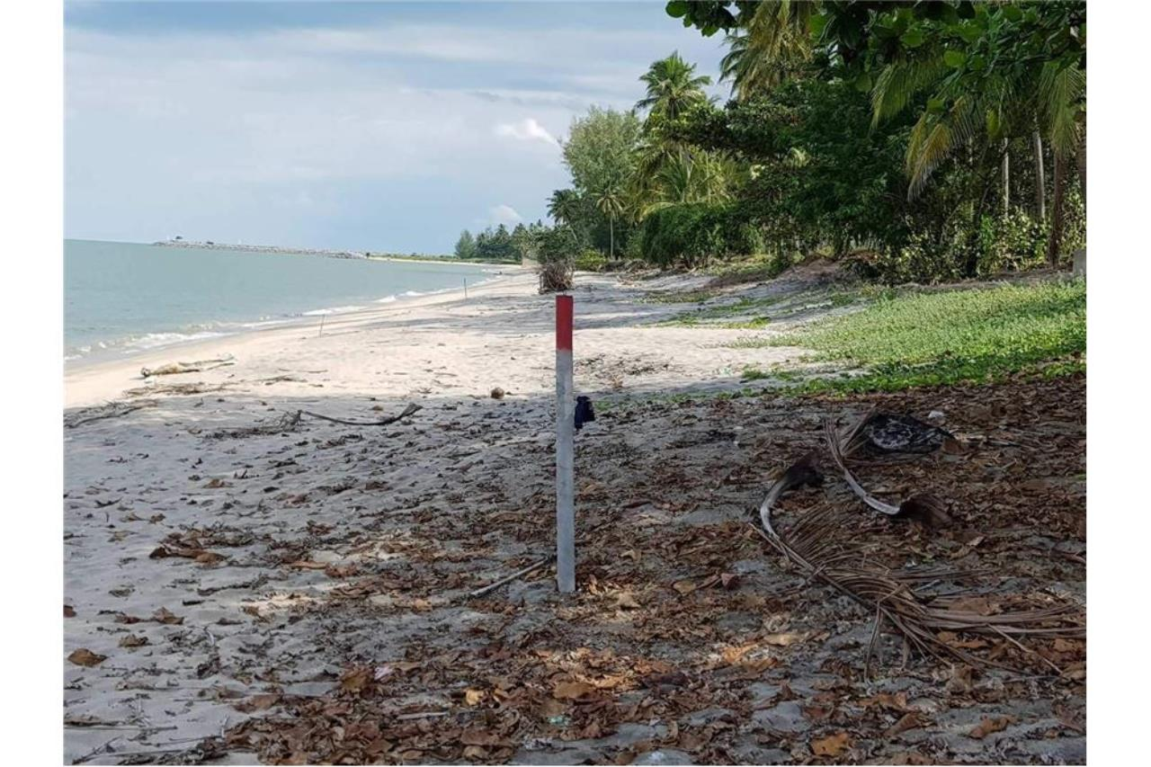 RE/MAX Island Real Estate Agency's Affordable beach land for sale in Tha Sala 3