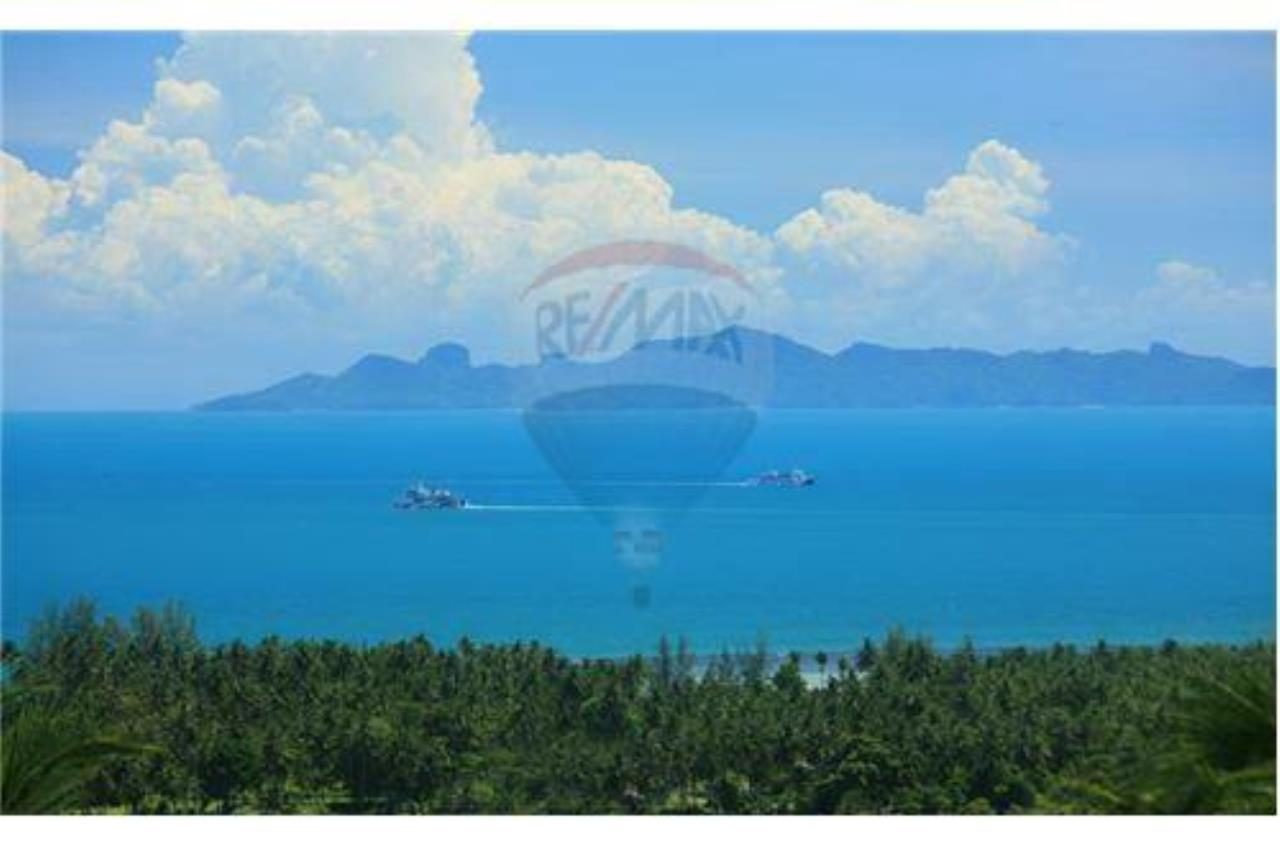 RE/MAX Island Real Estate Agency's Beautiful land for sale in Lipa Noi 3