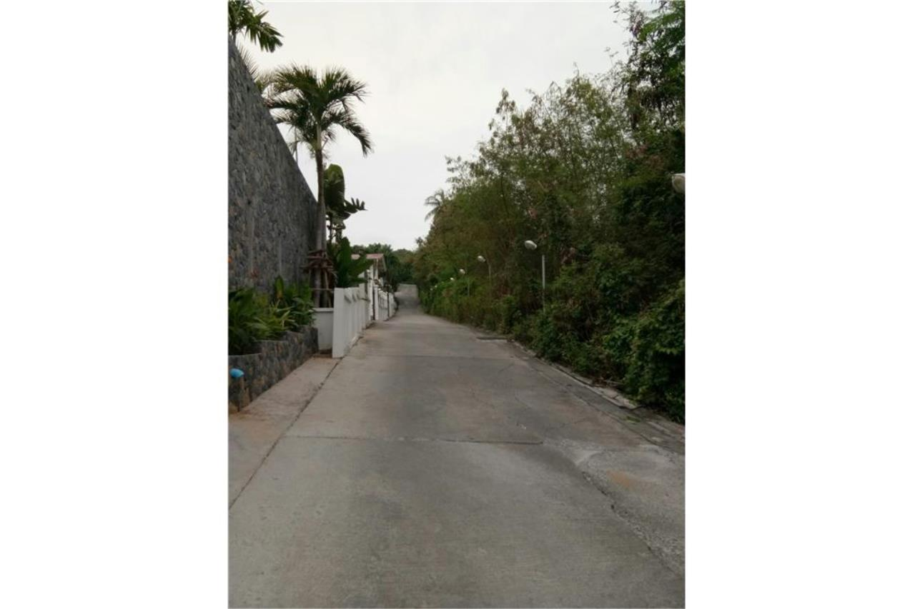 RE/MAX Island Real Estate Agency's Sea view land for sale in Chaweng 2