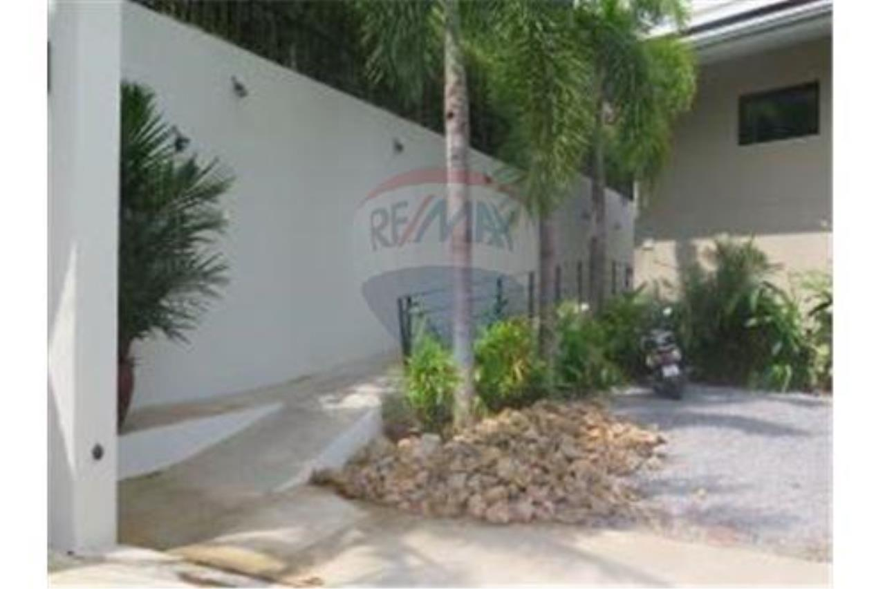 RE/MAX Island Real Estate Agency's 2 PRIVATE POOL SEA VIEW VILLAS FOR SALE IN MAE NAM 10