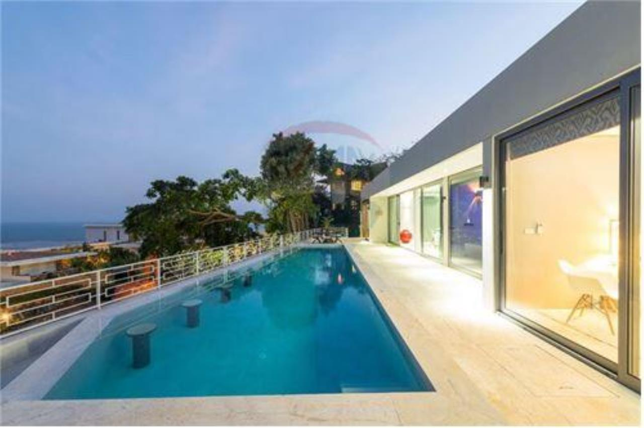 RE/MAX Island Real Estate Agency's Luxury sea view villa in Choengmon 15