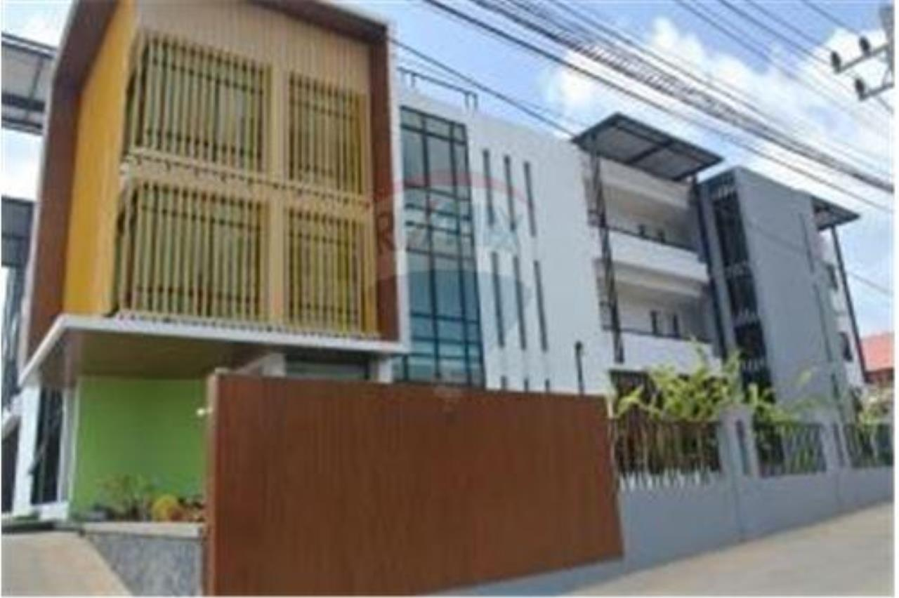 RE/MAX Island Real Estate Agency's BRAND NEW 2 BEDROOM APARTMENT WITH LARGE POOL IN CHAWENG 11