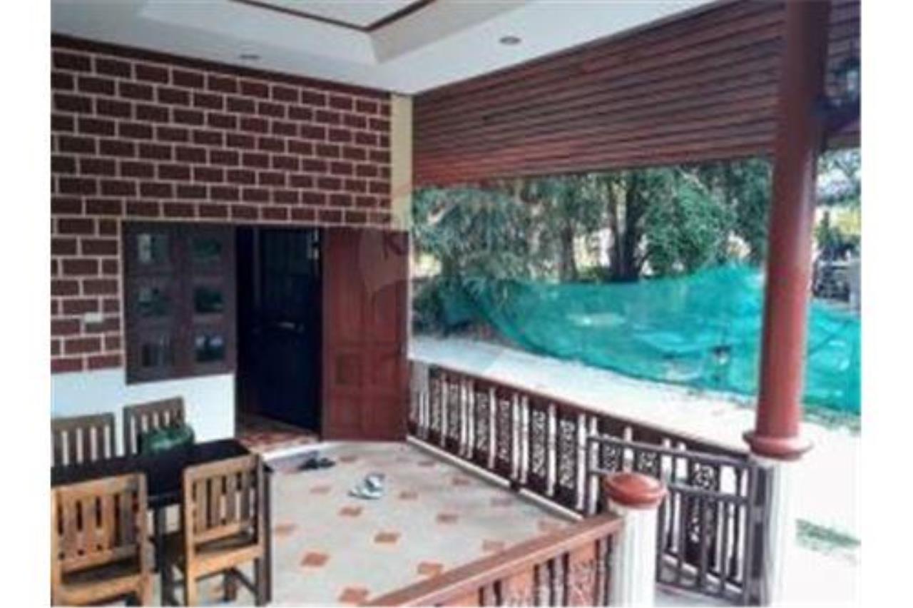 RE/MAX Island Real Estate Agency's 2 BEDROOM HOUSE NEAR THE BEACH SHARED POOL BOPHUT 3
