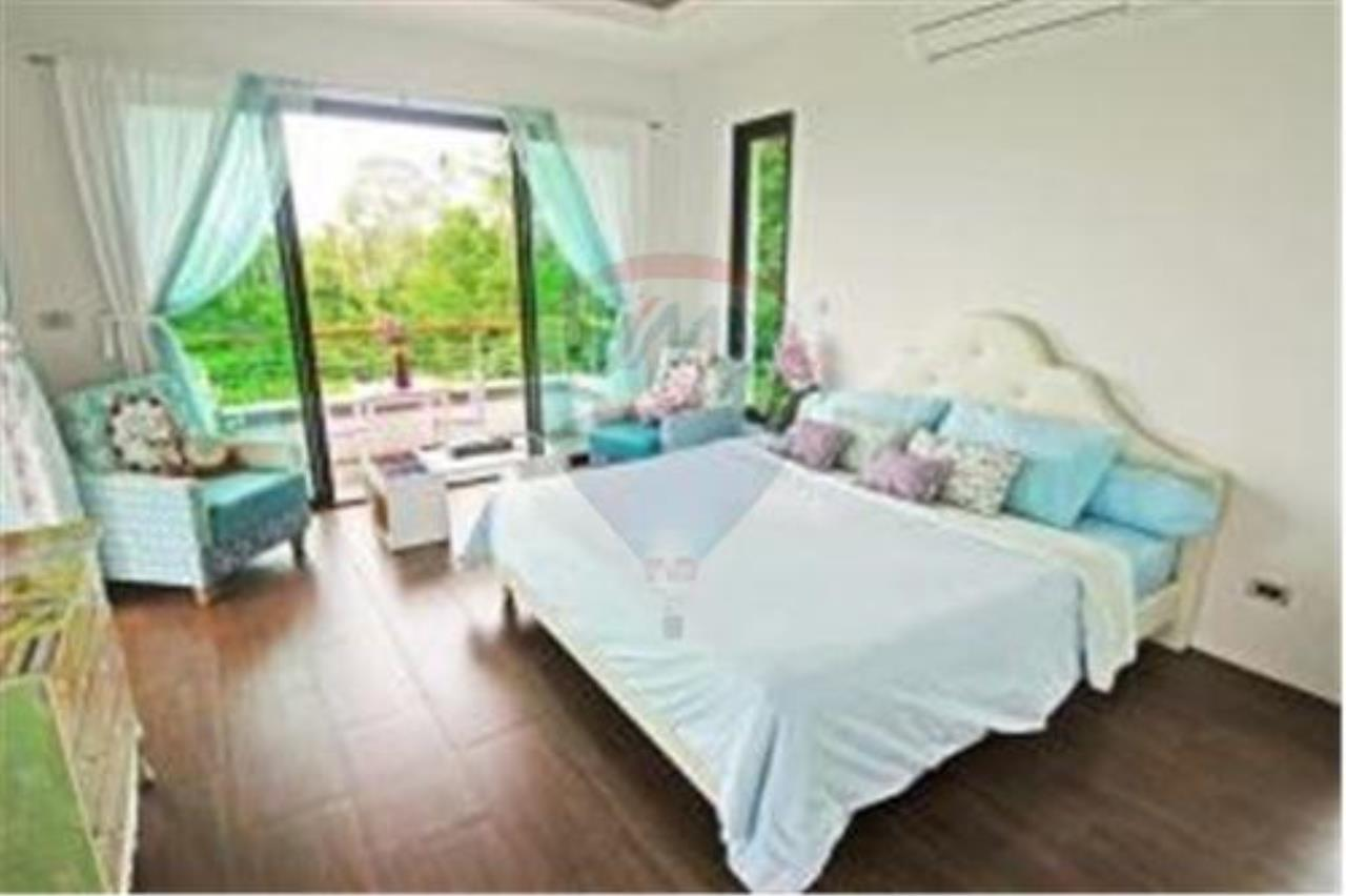 RE/MAX Island Real Estate Agency's 3 BEDROOM SEA VIEW POOL VILLA IN MAE NAM 6