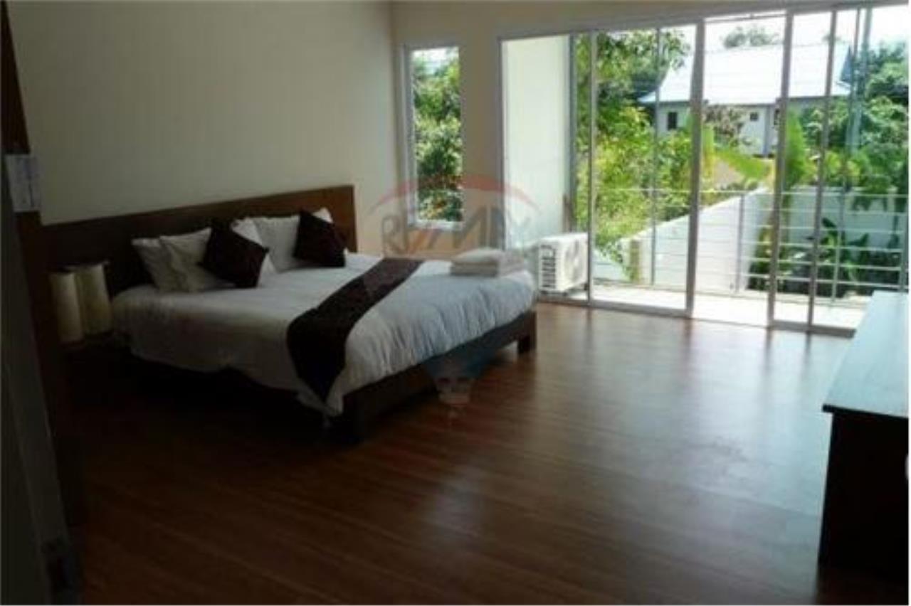 RE/MAX Island Real Estate Agency's 2 Bedroom Villa For Rent in Koh Samui 3