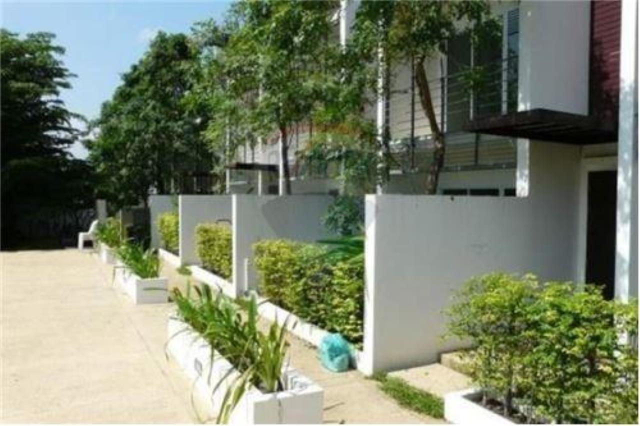 RE/MAX Island Real Estate Agency's 2 Bedroom Villa For Rent in Koh Samui 9