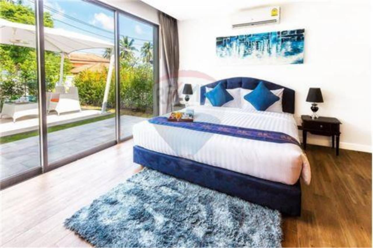 RE/MAX Island Real Estate Agency's 3 bedrooom modern thai style villa in Bangrak 8