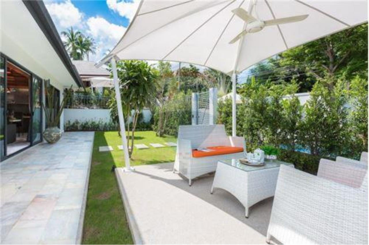RE/MAX Island Real Estate Agency's 3 bedrooom modern thai style villa in Bangrak 7