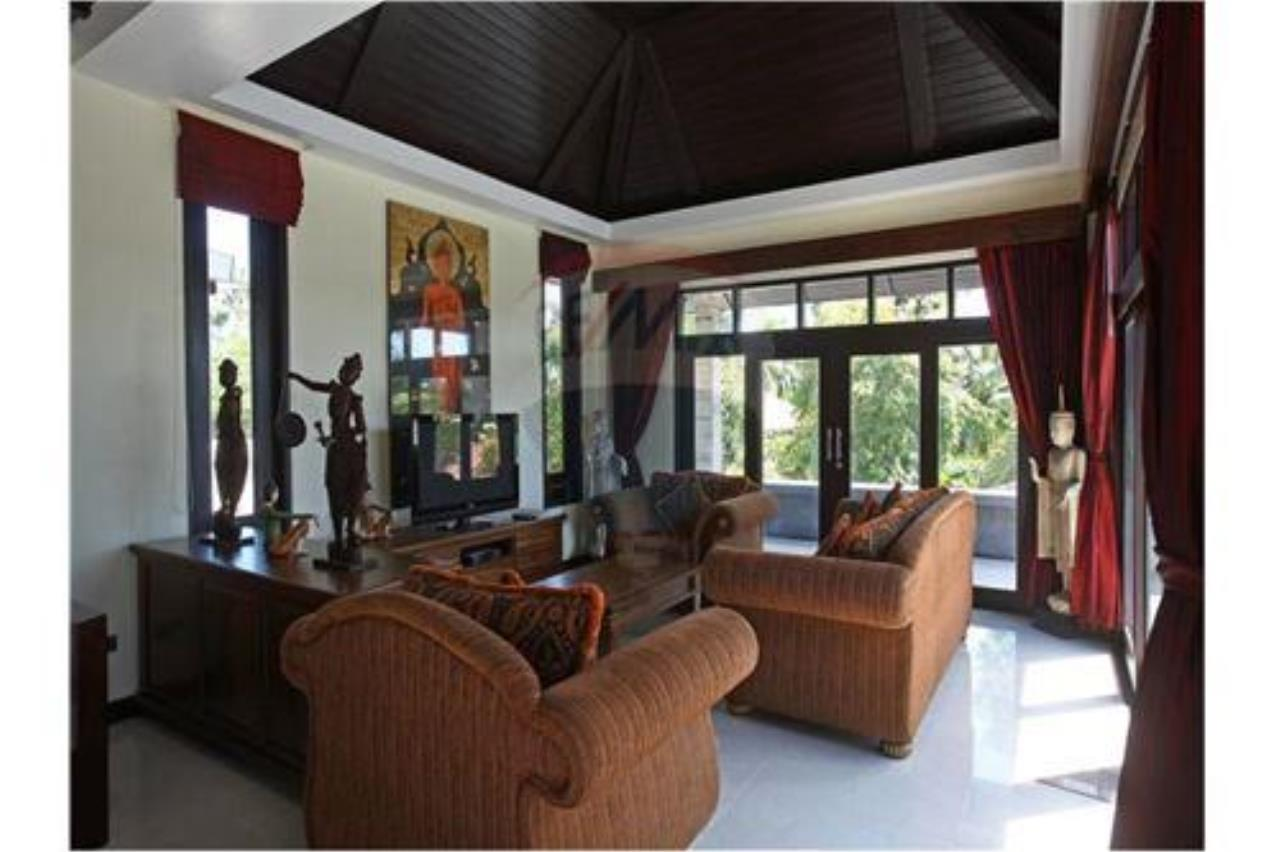 RE/MAX Island Real Estate Agency's 4 bedroom pool villa in Bophut. 6