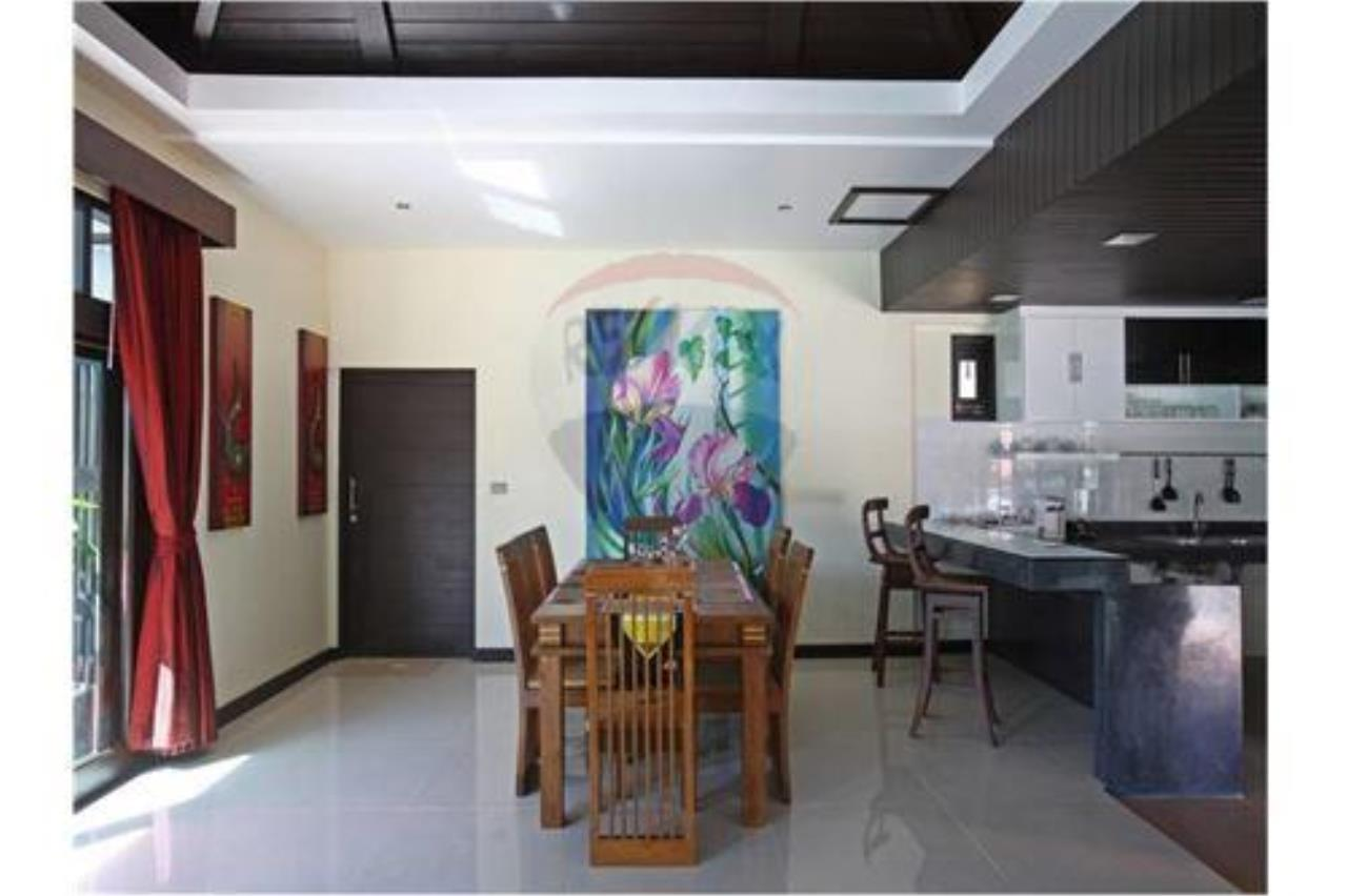 RE/MAX Island Real Estate Agency's 4 bedroom pool villa in Bophut. 8