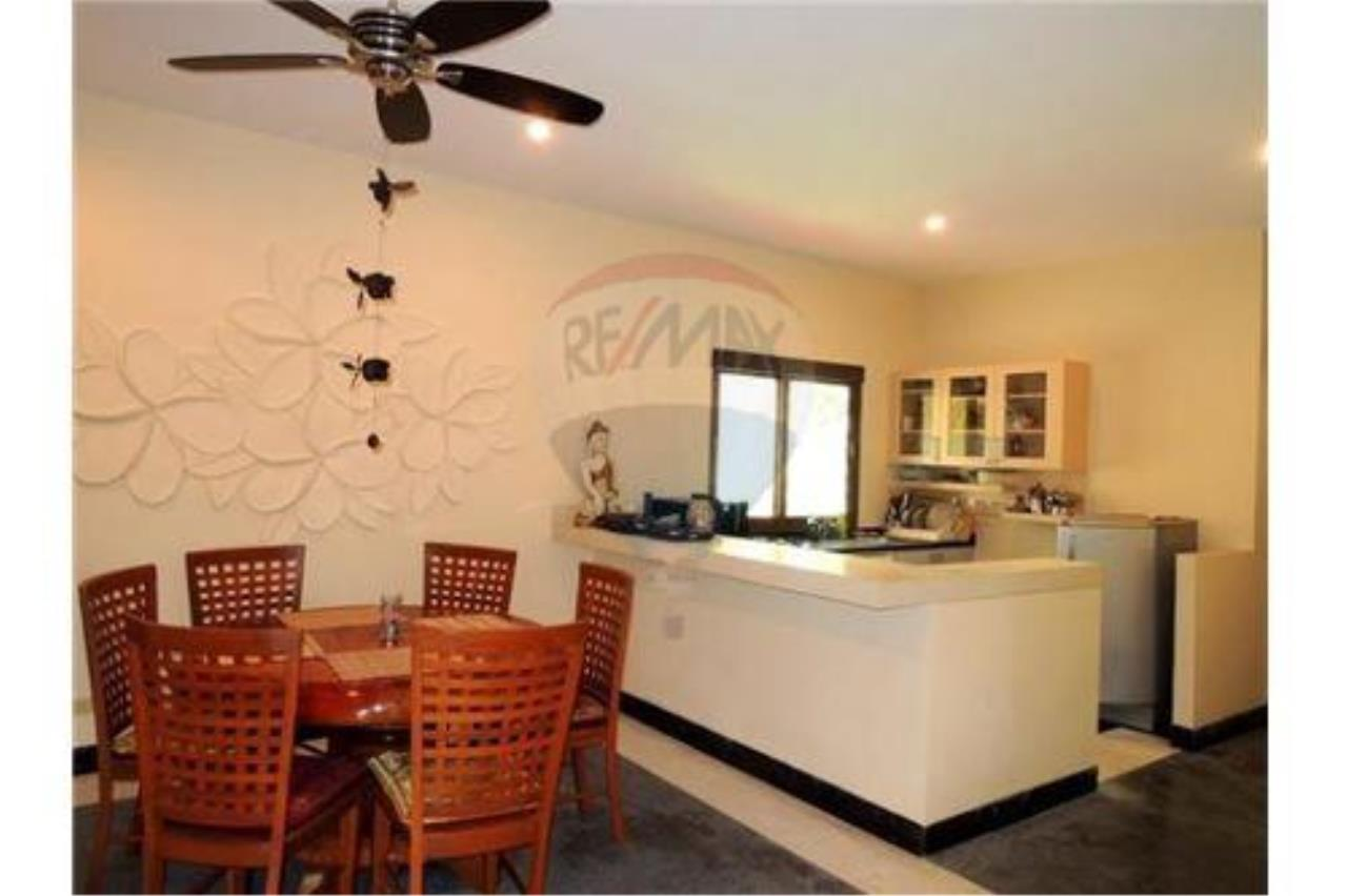 RE/MAX Island Real Estate Agency's Tropical villa at Chaweng 6