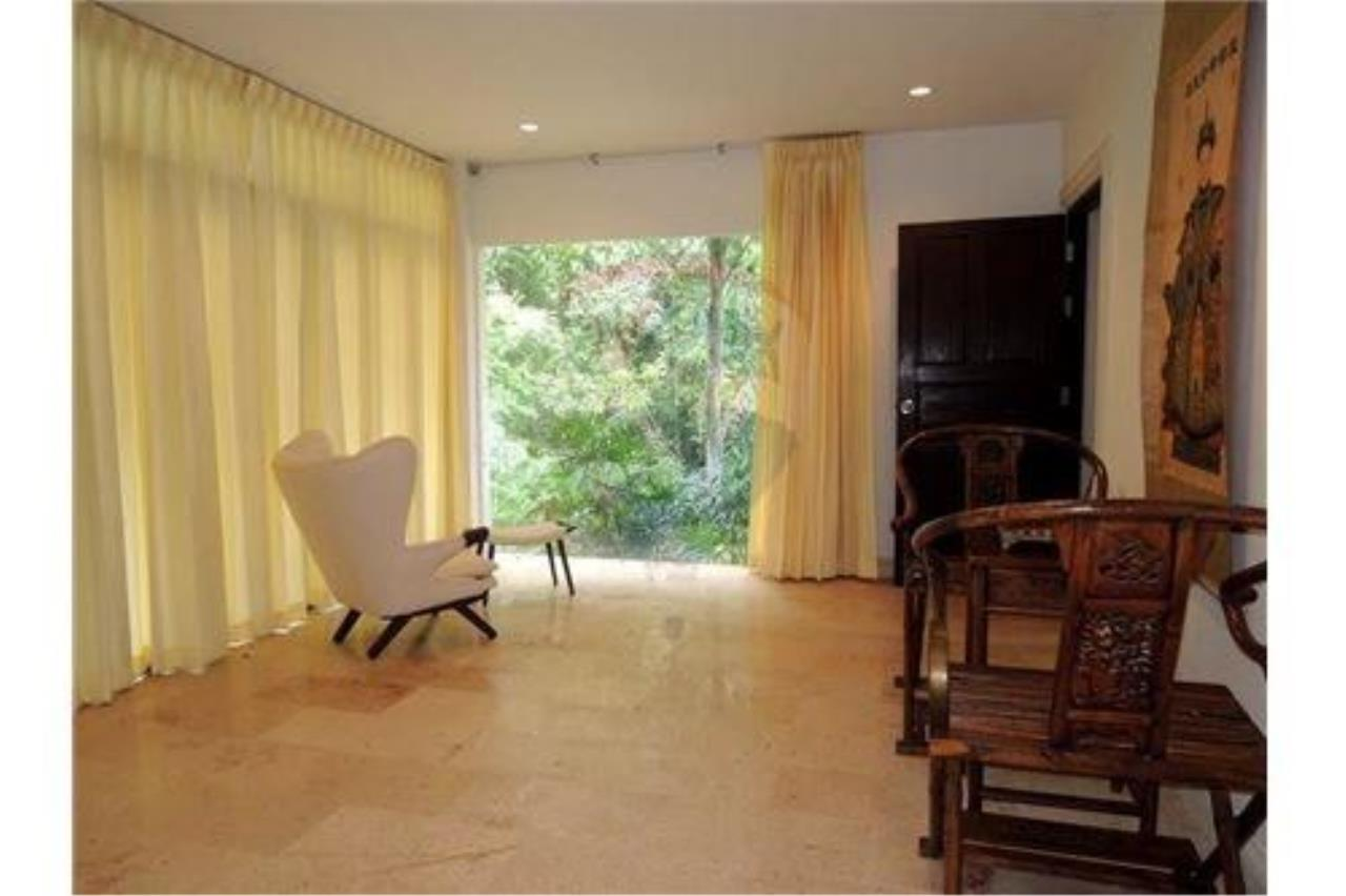 RE/MAX Island Real Estate Agency's Tropical villa at Chaweng 11