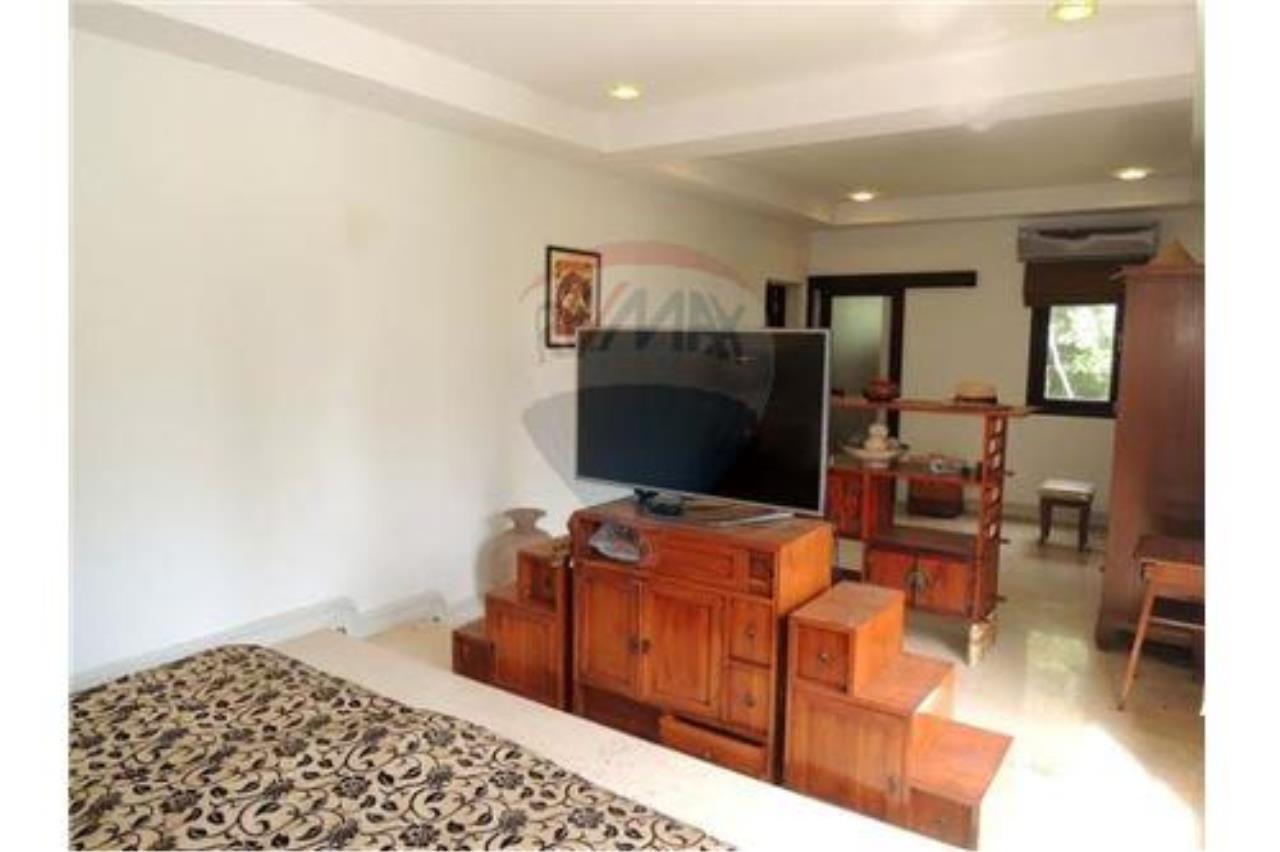 RE/MAX Island Real Estate Agency's Tropical villa at Chaweng 2