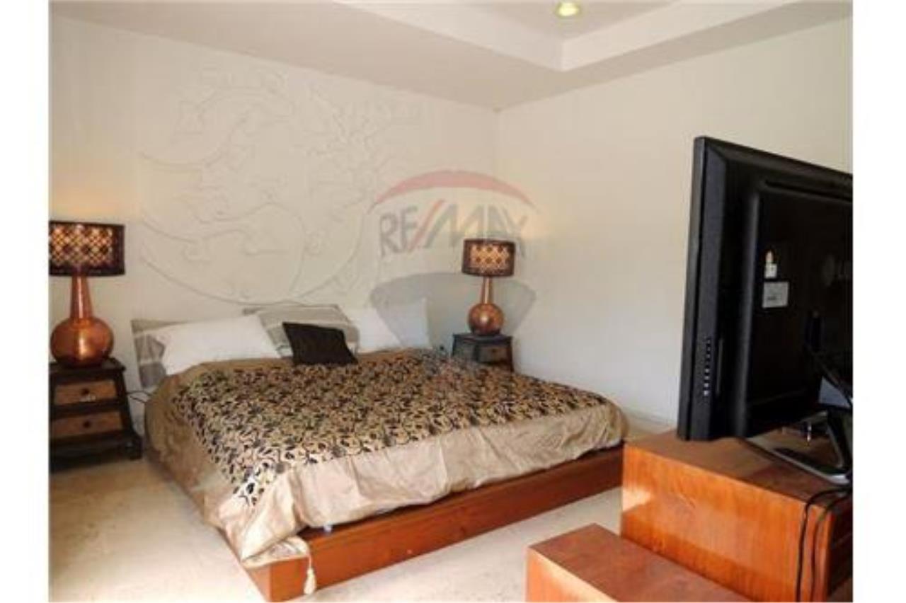 RE/MAX Island Real Estate Agency's Tropical villa at Chaweng 19