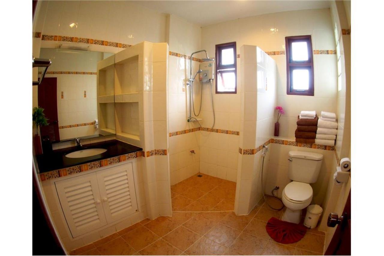 RE/MAX Island Real Estate Agency's Three bedroom  villa, 500 meters to Lamai Beach 19