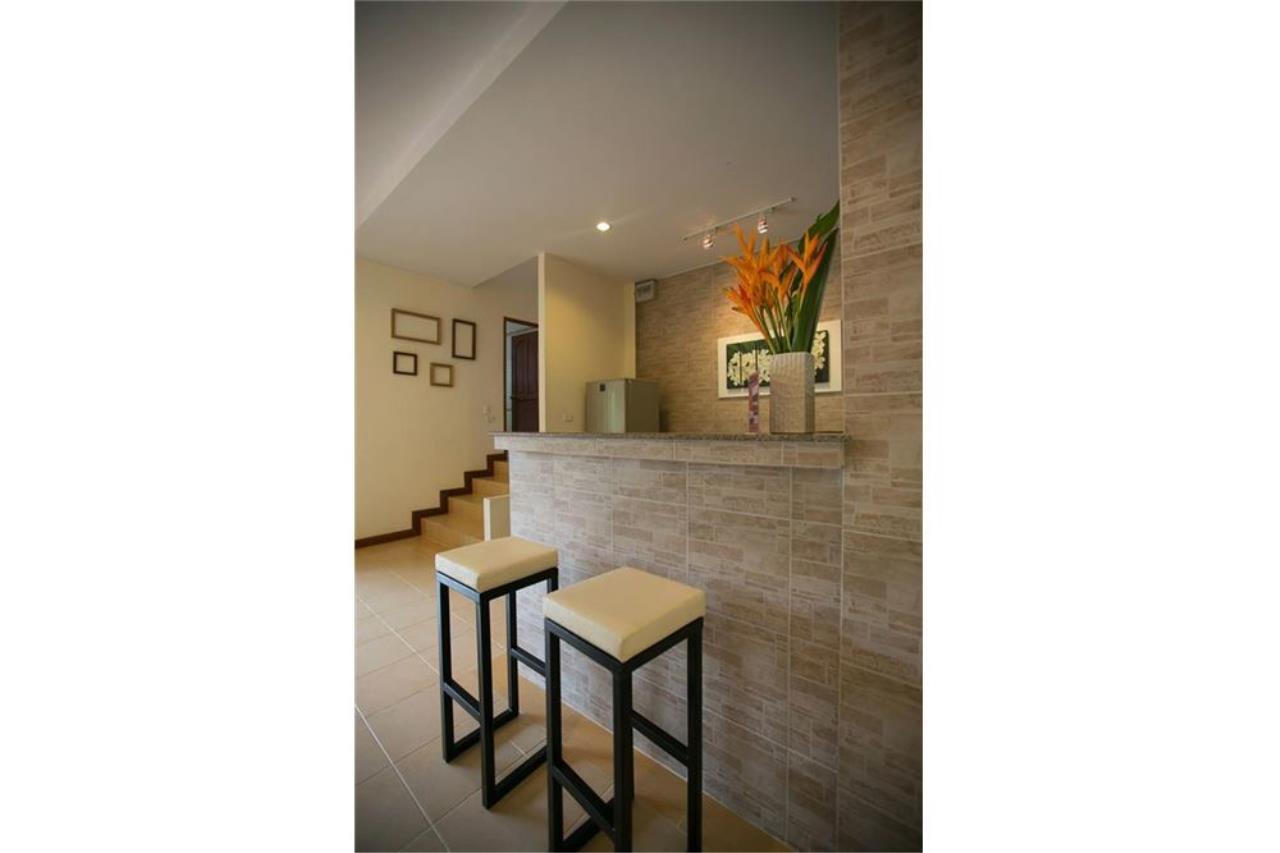 RE/MAX Island Real Estate Agency's Three bedroom  villa, 500 meters to Lamai Beach 17