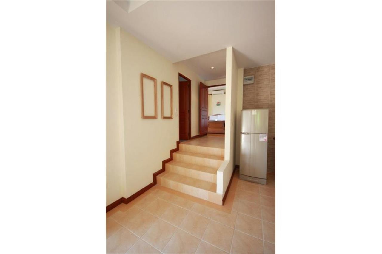 RE/MAX Island Real Estate Agency's Three bedroom  villa, 500 meters to Lamai Beach 9