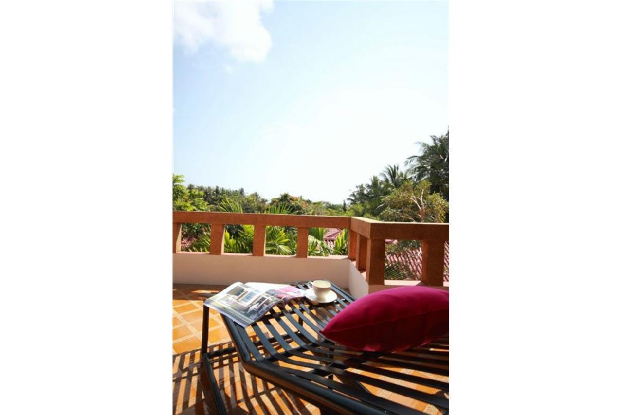 RE/MAX Island Real Estate Agency's Three bedroom  villa, 500 meters to Lamai Beach 20
