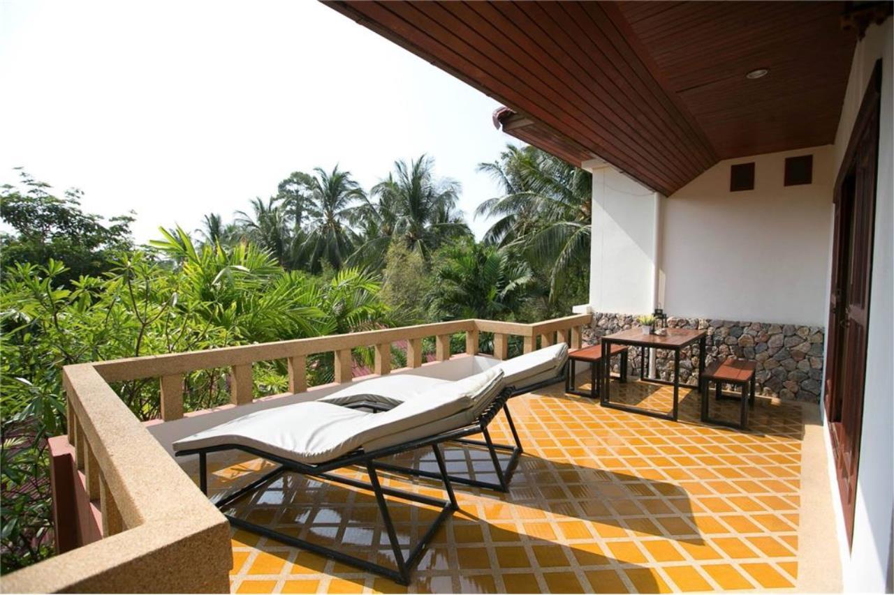 RE/MAX Island Real Estate Agency's Three bedroom  villa, 500 meters to Lamai Beach 23
