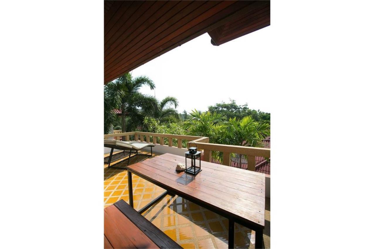 RE/MAX Island Real Estate Agency's Three bedroom  villa, 500 meters to Lamai Beach 22